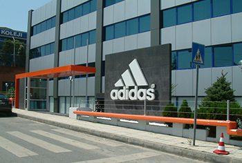 Adidas – Balmumcu