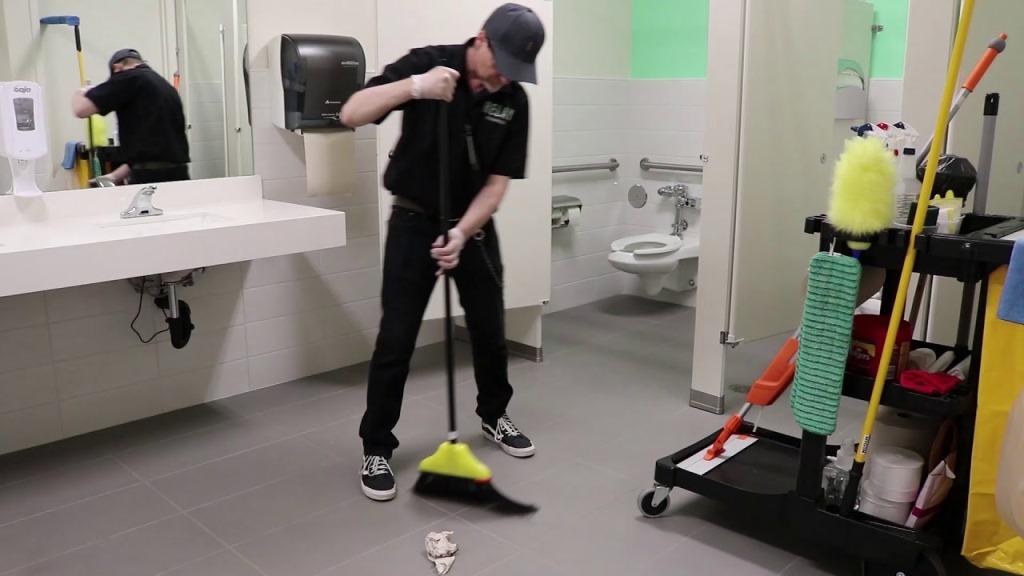 Tuvalet Kabinleri Nasıl Temizlenir
